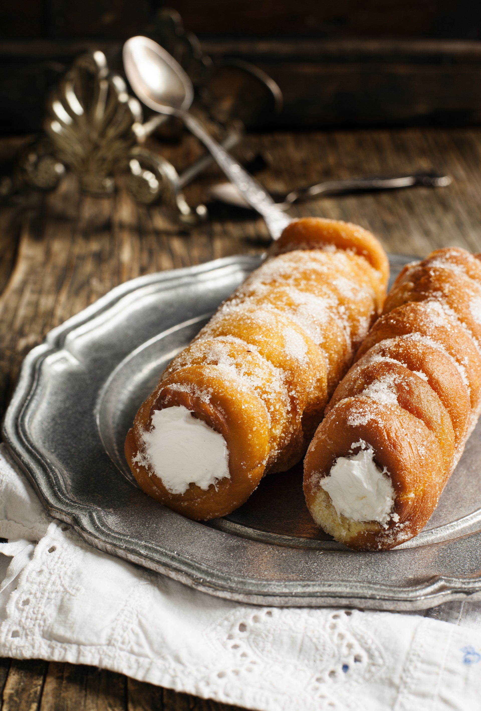 Cannoli fritti con crema chantilly 1