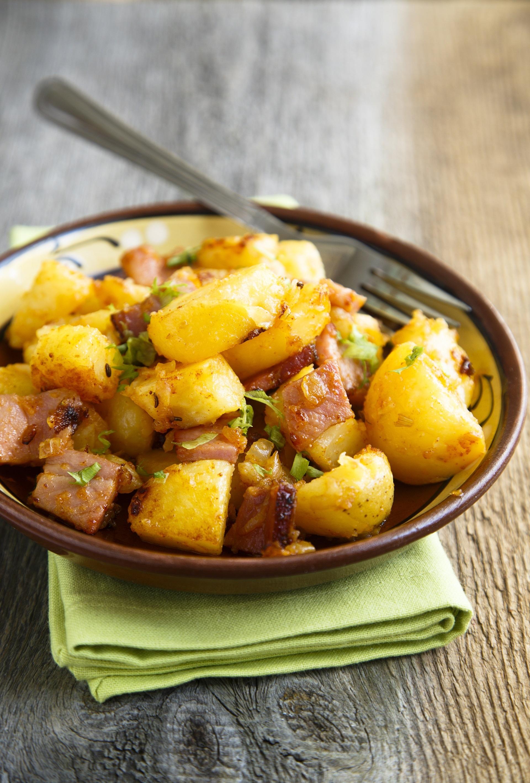 Stufato di maiale con patate e cipolle